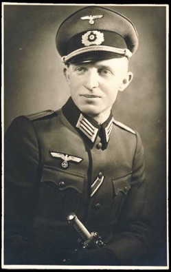 Original WW2 German Army Leutnant with Dagger photo