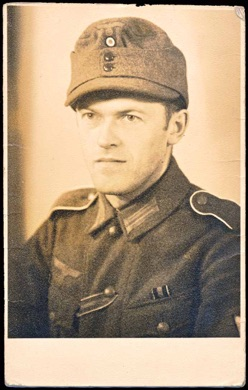 Original WW2 German Photo M43 Cap Czech Anschluss Russian Front
